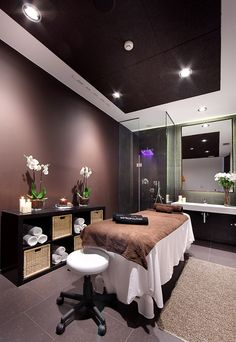 Reiki room, beauty salon decor treatment rooms, spa treatment room, home be Massage Room Decor, Massage Therapy Rooms, Spa Room Decor, Massage Room Colors, Beauty Salon Decor Treatment Rooms, Spa Treatment Room, Salon Interior Design, Beauty Salon Interior, Home Beauty Salon