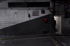 Tapi dans la lumière - photographie urbaine de nuit