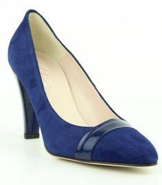 Prachtige blauw suède Lilian Pump http://www.vanbommelschoenen.nl/damesschoenen/274030015--lilian-10106.html#.U2IRk_l_tyw  #Lilian #Pump