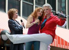 Mary Tyler Moore, Bernadette Peters, and some young chorus girl, at Broadway Barks