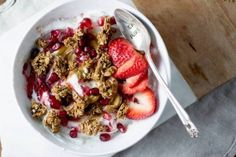 The 5 healthiest granola brands via @WellandGoodNYC http://www.wellandgood.com/good-food/healthiest-granola-cereal-brands/