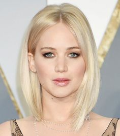 Jenniefer Lawrence's platinum blonde bob and subtle smoky eye are the perfect combination