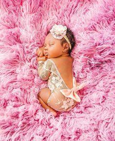 Beautiful Black Babies: Photo – Newborn About Newborn Baby Photos, Baby Girl Photos, Newborn Pictures, Baby Girl Newborn, Baby Pictures, Newborn Black Babies, Baby Daddy, Baby Twins, Newborn Shoot