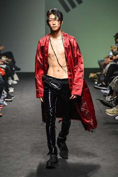 Male Fashion Trends: Vlades Spring-Summer 2017 - Seoul Fashion Week http://www.99wtf.net/category/young-style/casual-style/