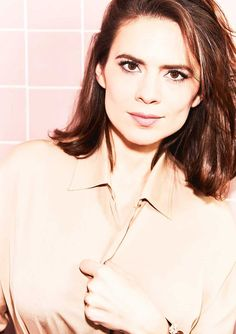 Picture of Hayley Atwell Peggy Carter, Hayley Elizabeth Atwell, Actress Hayley Atwell, Hayley Attwell, Famous Women, Famous People, Celebrity Pictures, Celebrity Portraits, Classic Beauty