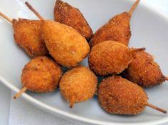 Ingredientes  70 grama(s) de peito de frango em cubos pequenos 1 colher(es) de sopa de óleo de girassol 1/2 cebola cortada em cubos pequenos 2 dentes de alho picados 1/2 aipo