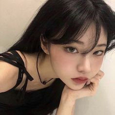 Uzzlang Girl, Girl Face, Pretty Makeup, Makeup Looks, V Line Face, Punk Makeup, Asian Short Hair, Asian Eye Makeup, Girls Short Haircuts