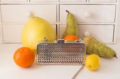 bag & fruits http://madeinkyiv.com/blog/gifts/