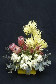 Floral centrepiece #floristry #australian native #tafe Large Flower Arrangements, Ikebana Arrangements, Hotel Flowers, Memorial Flowers, Flora Design, Memorial Ideas, Head Piece, Floral Centerpieces, Wildflowers