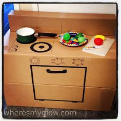Play kitchen made from Boxes