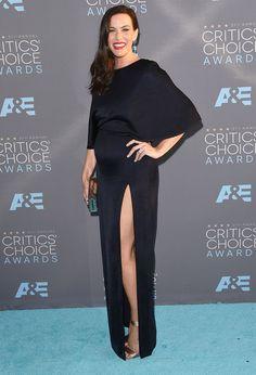 Liv Tyler Shows Off Her Red Carpet Maternity Style at the 2016 Critics' Choice Awards from InStyle.com