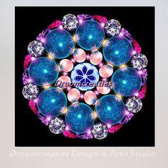 Mandala Crystal Earth De aarde bevat veel rijkdom, zichtbaar en onzichtbaar. Diep in het hart van de aarde bevinden zich de meest bijzondere kristallen en edelstenen. De structuur van kristallen vormen geometrische patronen. De eigenschappen …