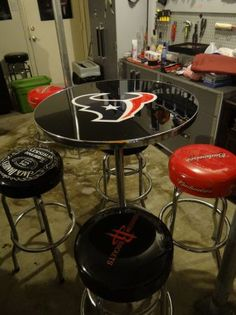 TEXANS PUB TABLE