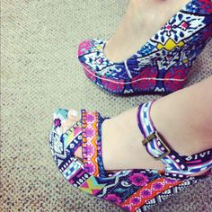 i love love love the top heel!!