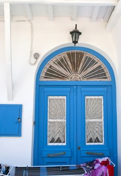 Mikonos Blue Doors, Front Door Colors, Doorway, Door Knobs, Windows And Doors, My Favorite Color, Malta, Gates, Entrance