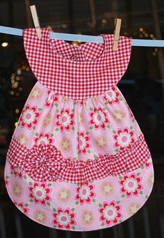 Más tamaños | Diva Gingham Bib | Flickr: ¡Intercambio de fotos!