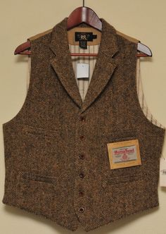 luxoticthreads: RRL w/ Harris Tweed (warfashion) Tweed Waistcoat, Tweed Suits, Mens Suits, Bottes Red Wing, Vêtement Harris Tweed, Gilet Costume, Style Masculin, Retro Mode, Mode Style