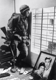 US soldier during the Tet offensive, Vietnam, 1968. Photo by Don McCullin