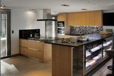 cuisine design- cave à vin- wine cellar -design kitchen  -rental house - bassin d'arcachon -photo erick saillet -location saison -ikone -ikhome -luxury house