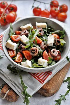 Sałatka z anchois Caprese Salad, Mozzarella, Food Inspiration, Healthy Lifestyle, Salads, Diet, Bulgur, Healthy Living, Salad