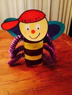 Zoem lampion Tigger, Ronald Mcdonald, Cool Pictures, Presents, Diy Crafts, Disney Characters, September, Products, School