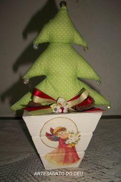 Mini Árvore de Natal Verde - R$ 25,00 Cod. PFN 010