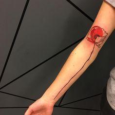"""452 mentions J'aime, 3 commentaires - sebinkme at NOIR CHARBON (@sebinkme) sur Instagram : """"Poppy done @noircharbon #flowers #poppy #tattooisartmagazine #tattrx #tattoo #mons #belgium…"""""""