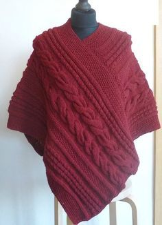 Simple pattern of knitting poncho Selkis Poncho Knitting Patterns, Easy Knitting, Baby Afghan Crochet, Crochet Poncho, Brei Baby, Pretty Shirts, Vest Pattern, Knit Vest, Shawls And Wraps