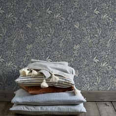 The wallpaper pattern Nocturne from Boråstapeter Nocturne from Sense of Silence is a blue green dark wallpaper in floral foliage style Flowery Wallpaper, Dark Wallpaper, Pattern Wallpaper, 4 Image, Swedish Style, Forest House, Dark Shades, Nocturne, Room Colors