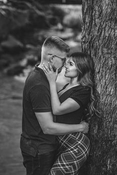 Attracting The Right Relationship Couple Photoshoot Poses, Couple Photography Poses, Pre Wedding Photoshoot, Couple Portraits, Wedding Poses, Couple Posing, Couple Shoot, Free Photography, Love Kiss Images