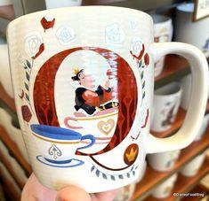 Disney Cups, Disney Food, Disney Parks, Disney Tassen, Mermaid Mugs, Mug Display, Make A Game, Cute Cartoon Drawings, Dapper Dan