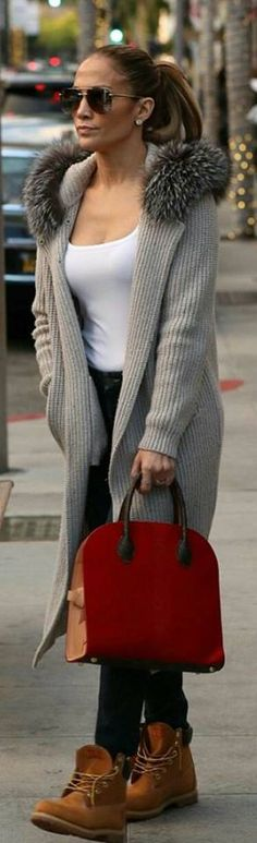 Who made Jennifer Lopez's aviator sunglasses, red handbag, tan ankle boots, and cardigan ribbed tan sweater? J Lo Fashion, Fashion Casual, Casual Chic, Winter Fashion, Womens Fashion, Fashion Bags, Fashion Outfits, Jennifer Lopez, Tan Ankle Boots