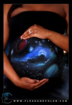 maternity body paint done by Dewayne Flowers of Flesh & Color body paint & photography.