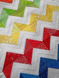 Sew Kind Of Wonderful: Lisa's Chevron Quilt. Look at that quilting detail!