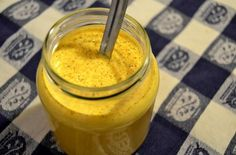The golden milk is a wonderful drink with exceptional benefits. The most important ingredient in this recipe is turmeric, whose man benefits are proven by an ever increasing number of studies. Detox Drinks, Healthy Drinks, Healthy Eating, Easy Healthy Breakfast, Breakfast For Kids, Healthy Chicken Recipes, Cooking Recipes, Turmeric Golden Milk, Milk Ingredients
