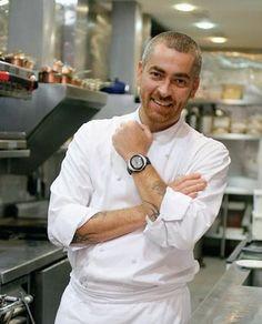 Alex Atala - Chef e proprietário do Restaurante D.O.M., em São Paulo - BR. (Um dos melhores restaurantes do mundo). Ele é hoje, um dos nomes mais falados no mundo da gastronomia.