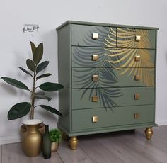 Paint Furniture, Furniture Projects, Furniture Makeover, Furniture Design, Gold Leaf Furniture, Funky Furniture, Plywood Furniture, Chair Design, Chest Of Drawers Makeover