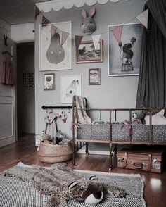 A beautiful vintage room