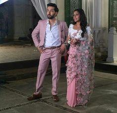 Anika in Pink Coloured Half & Half Saree Wedding Dresses Men Indian, Indian Bridal Outfits, Indian Dresses, Beautiful Saree, Beautiful Dresses, Choli Dress, Dress Indian Style, Indian Wear, Saree Trends