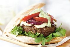 Taste+the+flavours+of+Italy+in+this+delicious+beef+mince,+bocconcini+and+pesto+burger!