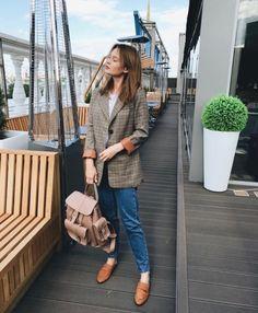 GRAFEA  www.grafea.com #leather #backpack #fashion #bag #moda #derisırtçanta #blog #tarz #seyahat #alışveriş #mağaza #stil #aksesuar #bloggger #güzellik #sokaktarz #bayan #vintage #ponpon #çanta #öneri #omuzçantası
