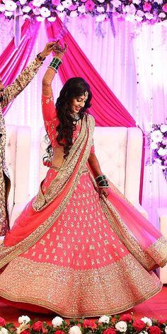 30 Exciting Indian Wedding Dresses That You'll Love - Bridal wear - Wedding Wedding Lehenga Designs, Designer Bridal Lehenga, Indian Bridal Lehenga, Indian Bridal Outfits, Indian Bridal Wear, Indian Dresses, Muslim Wedding Dresses, Bridal Dresses, Indian Wedding Photography Poses