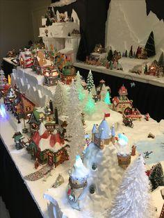 Diy Christmas Village Platform, Christmas Village Display, Christmas Villages, Christmas Crafts, Christmas Tree, Villas, Platforms, Holidays, Holiday Decor