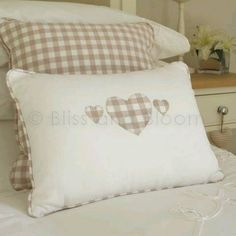 Mane's home added a new photo. Cute Pillows, Diy Pillows, Decorative Pillows, Throw Pillows, Scatter Cushions, Pin Cushions, Cushion Covers, Pillow Covers, Cushion Inspiration