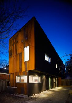 Former blacksmith shop turned laneway house in Toronto. More pictures here: http://superkul.ca/projects/40r_laneway-house/