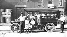 """""""Tutti a bordo a solo 2 centesimi"""" #photo #vintage #fotografia #StatiUniti #Usa #biancoenero"""