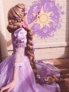 Disney Cosplay at its best! Sora at Disney World! Cute Disney, Disney Dream, Disney Girls, Disney Art, Disney Movies, Disney Rapunzel, Princess Rapunzel, Disney Princesses, Disney Characters