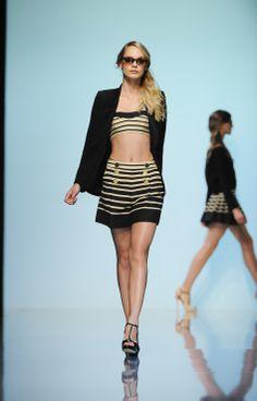 Tara Jarmon Spring Summer 2012 #tarajarmon #SS12 #show #defile #stripes #skirt #crop #top