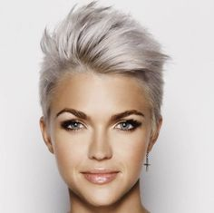Nice collection of 2018 shortcuts - Neue Frisuren - Cheveux Short Hair Model, Short Hair Cuts, Curly Short, Pixie Cuts, Short Blonde, Funky Short Hair Styles, Funky Style, Blonde Pixie, Curly Bob