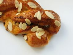 Dobrou chuť: Marcipánové pletýnky French Toast, Breakfast, Food, Morning Coffee, Meals, Yemek, Morning Breakfast, Eten